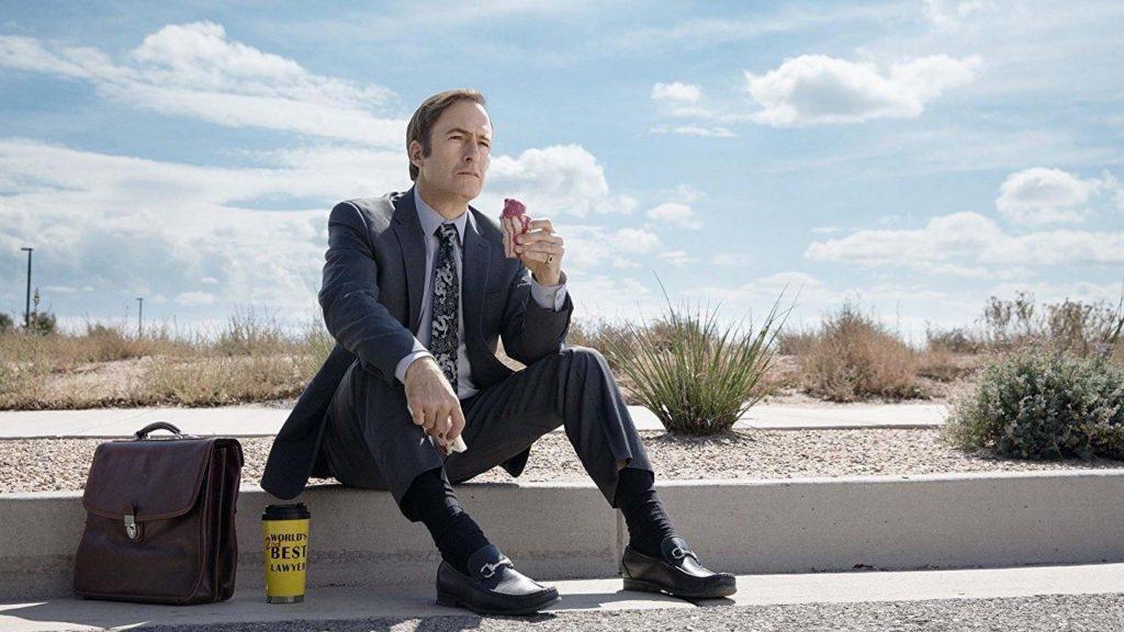 Bob Odenkirk interpretando Jimmy McGill, também conhecido como Saul Goodman.