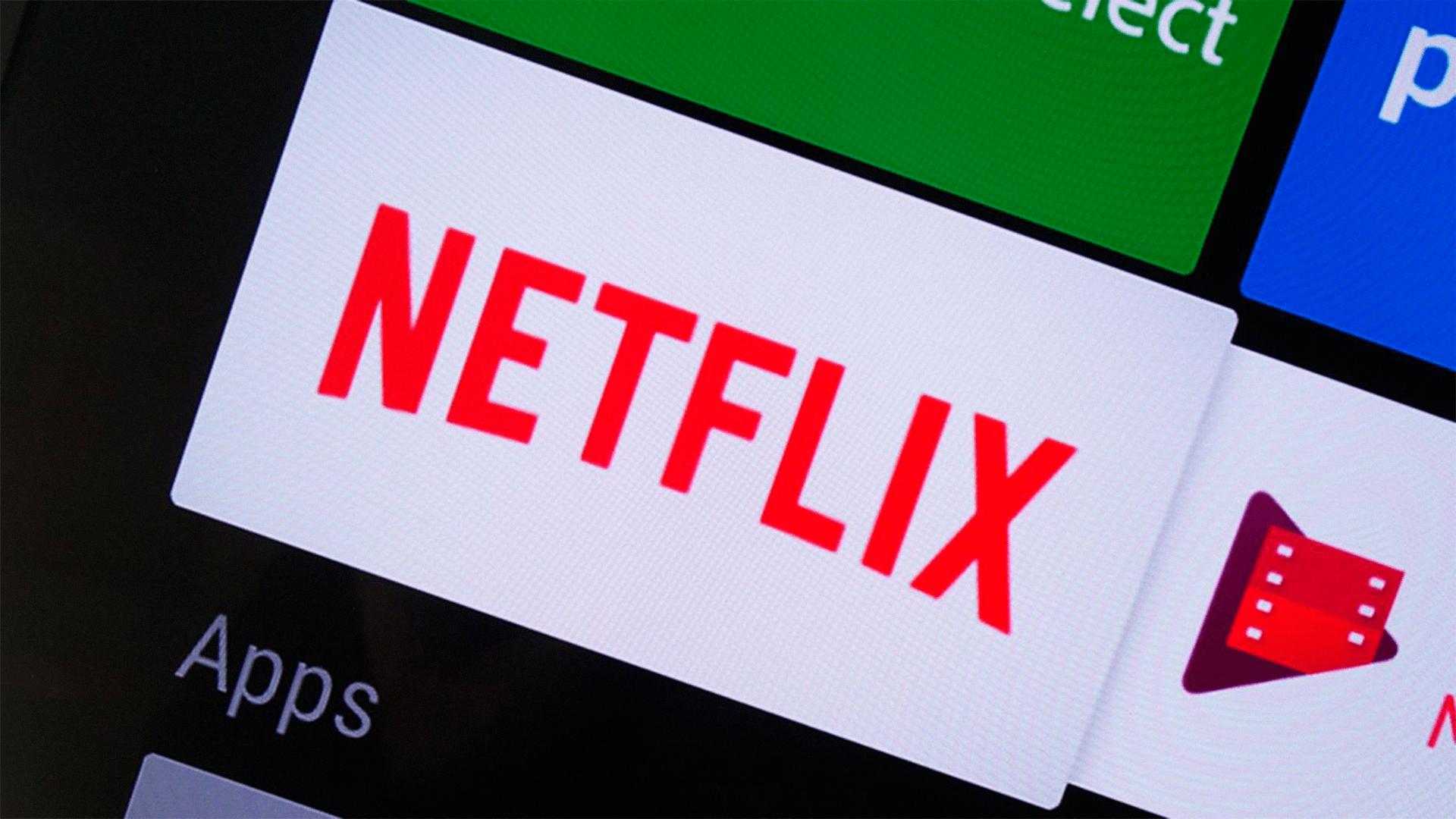 O compartilhamento de contas e senhas é uma pratica comum entre os usuários da Netflix, no entanto, a plataforma pretende mudar isso.