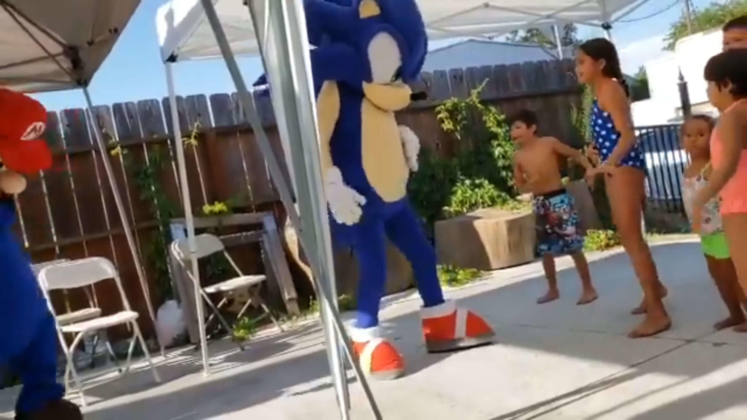 Um vídeo aleatório de Sonic e Mario dançando a música Billie Jean de Michael Jackson se tornou viral no Twitter.