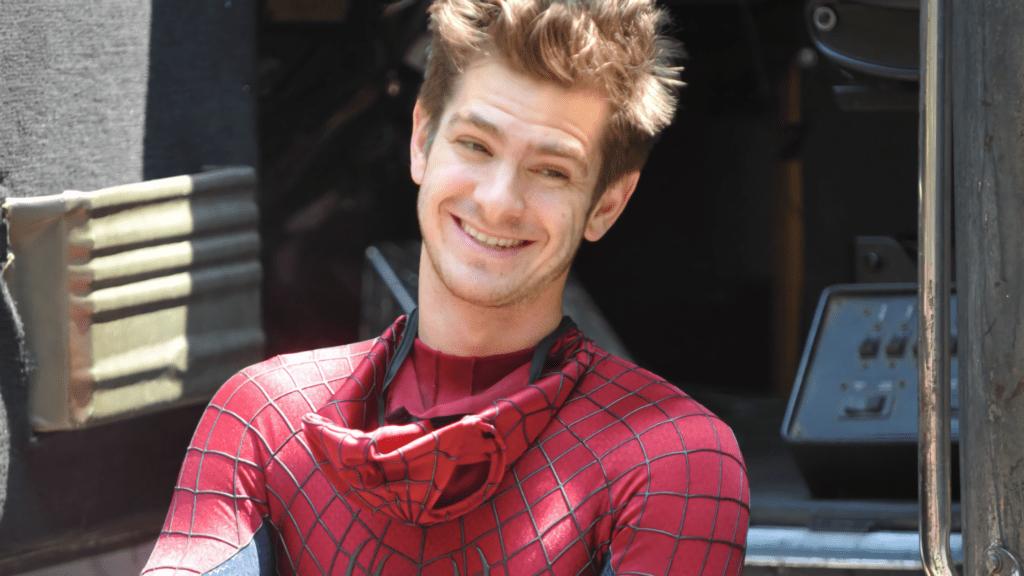 Andrew no set de filmagens de O Espetacular Homem-Aranha